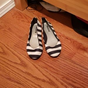 Striped gently used flats